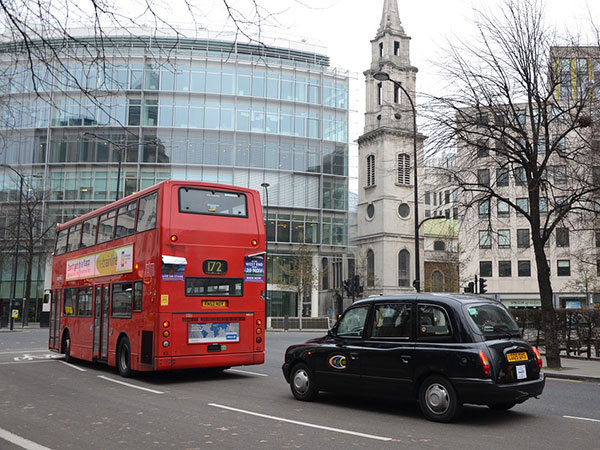 """Calls for more """"digital taxi firms"""" in London"""